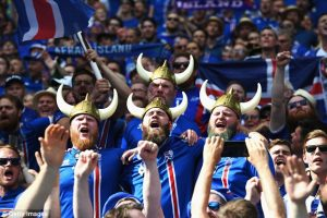 358DF47600000578-3657108-Iceland_fans_show_their_support_prior_to_the_Group_F_match_betwe-a-22_1466713554398