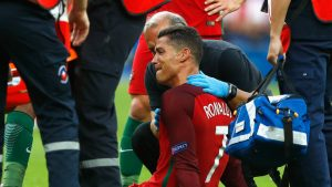 cristiano-ronaldo-portugal-injury-euro-2016-final_3741636
