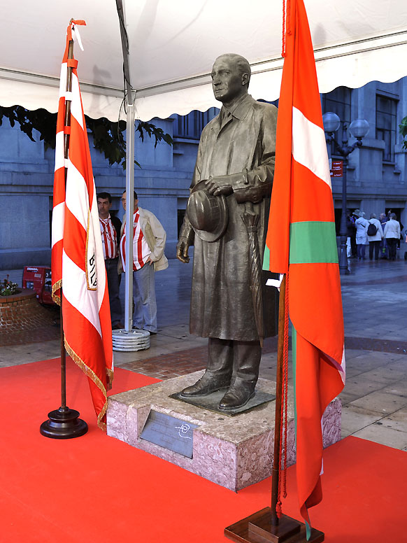 Fred Pentland's statue stands proud in San Mamés, the home of Athletic Bilbao