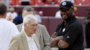 Dan Rooney (left) who introduced the Rooney Rule stands with Pittsburgh Steelers head coach Mike Tomlin (right)